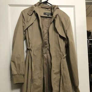 Tan Trench Coat l Size M